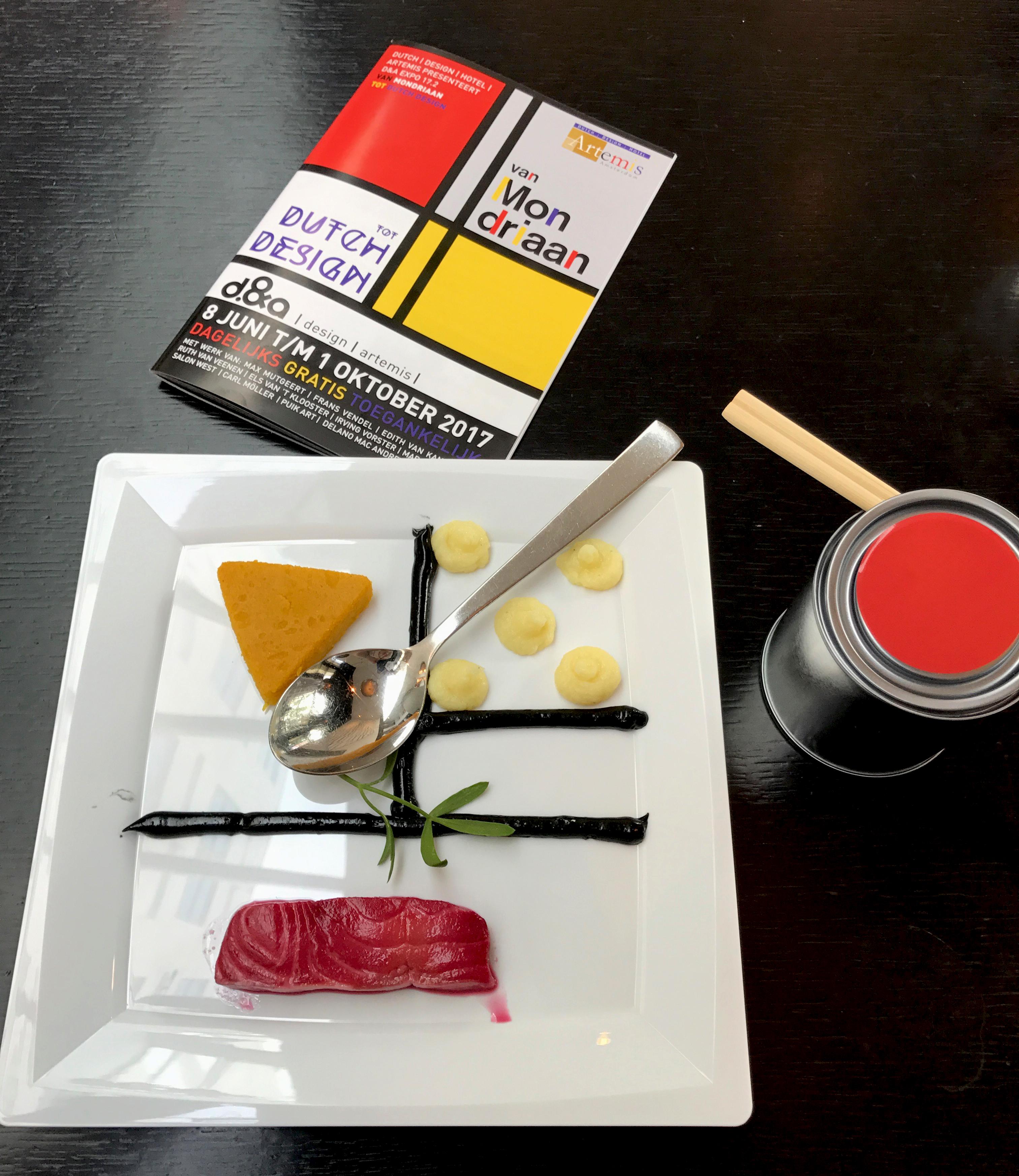 Brochure Van Mondriaan tot Dutch Design Expo in Dutch Design Hotel: Ontwerp